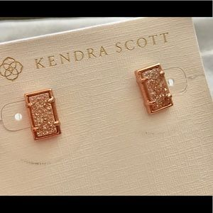 KENDRA SCOTT PAOLA STUD SAND DRUSY ROSE GOLD